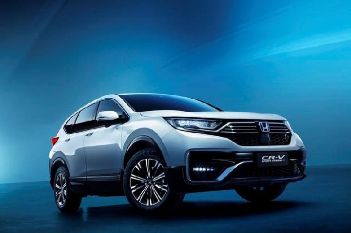 Honda CR-V PHEV (Plug-in Hybrid Electric Vehicle) 2021 dipamerkan di booth Honda pada Auto China 2020 di Beijing pada 26 September-5 Oktober 2020. FOTO: Antara