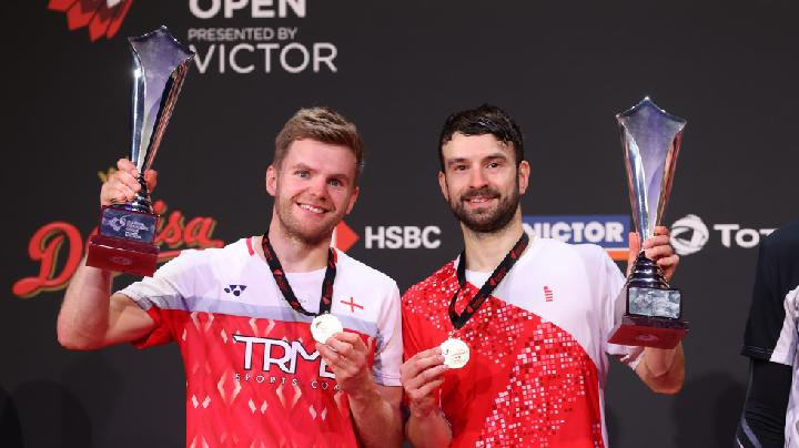 A come-from-behind win for Marcus Ellis (left) and Chris Langridge.