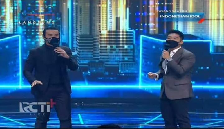 Daniel Mananta bersama Boy William berduet menjadi host Indonesian Idol Special Season. Foto: RCTI Plus