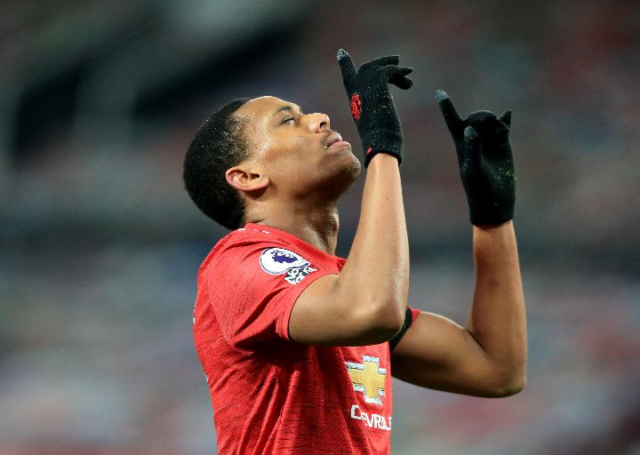 Pemain Manchester United Anthony Martial. REUTERS/Lindsey Parnaby