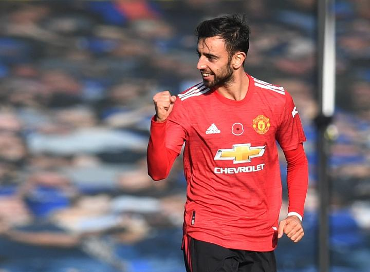 Pemain Manchester United Bruno Fernandes. REUTERS/Paul Ellis